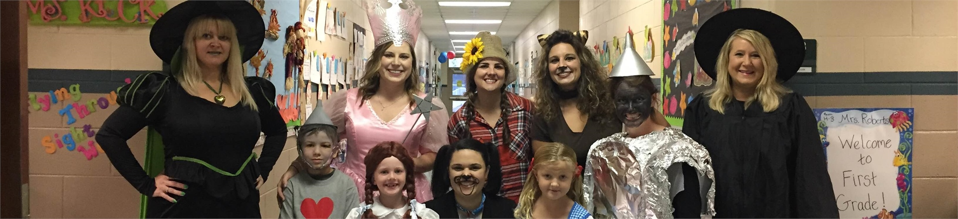 Fuzzy Bear hallway turned into a scene from the Wizard of Oz - Character Day 2015